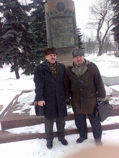 в день похорон Попкова ВИ у его памятника