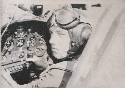 1962г.Впервые сам на Як-18а. В.Полняков аэр. Граково (инструктор- к-н Абдулаев , к-р 2аэ п/п-к Веденяпин)