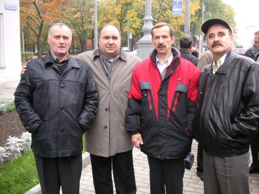 Инструкторы Кащенко, Синячкин, строевой летчик Огерь и Чайка