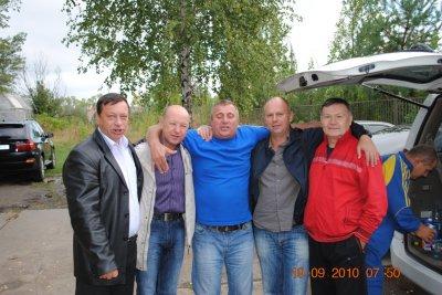 Серега Литовкин, Витек Тузов, Тоха Журавлев, я и Данилыч