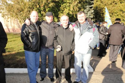 В.Юрченко(85), С.Конопля(86), А.Милько(84) и В.Решетняк(85) - военный и три шкраба...