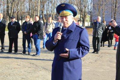 Выступает самый старший по званию маршал авиации Е.И.Шапошников (63г)